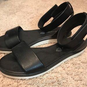 BC footwear black sandals